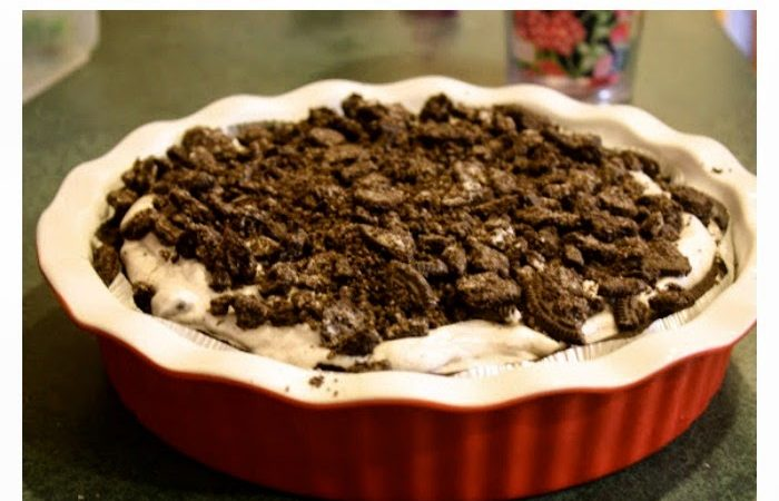 An Easy Crowd Pleasing Recipe: Oreo Pie