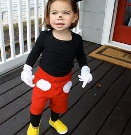 DIY Halloween Costume: Mickey Mouse