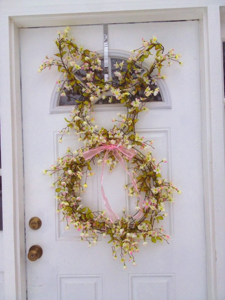 DIY Easter Bunny Wreath || The Chirping Moms