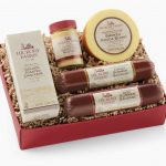 Hosting Holiday Gatherings & Holiday Traditions With Hickory Farms