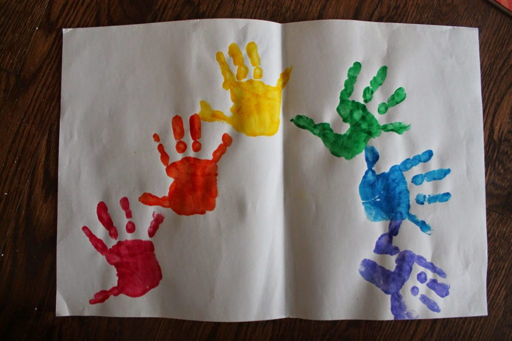 Spring Handprint Craft || The Chirping Moms
