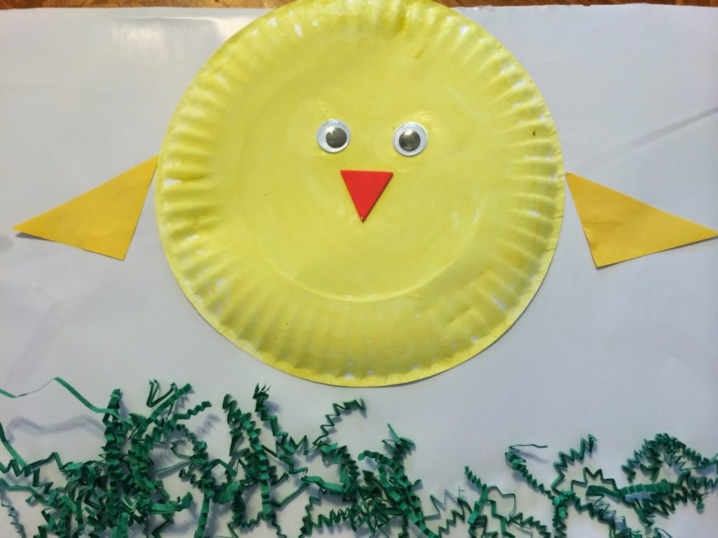 Paper Plate Chick Craft || The Chirping Moms