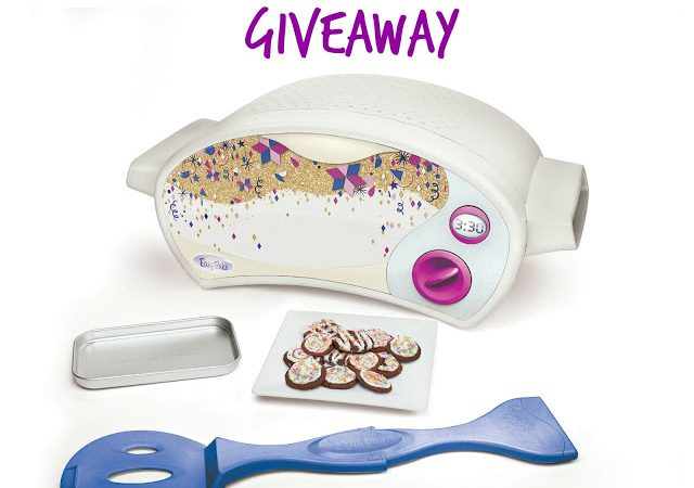 The 12 Days of Toys: Day 8, An Easy Bake Oven