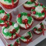 Easy Christmas Wreath Cupcakes