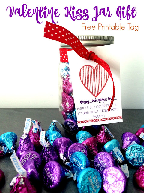 The Valentine Kiss Jar Gift Idea (Free Printable) || The Chirping Moms