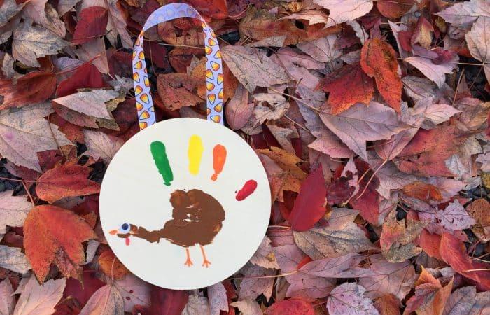 DIY Hanging Turkey Handprint
