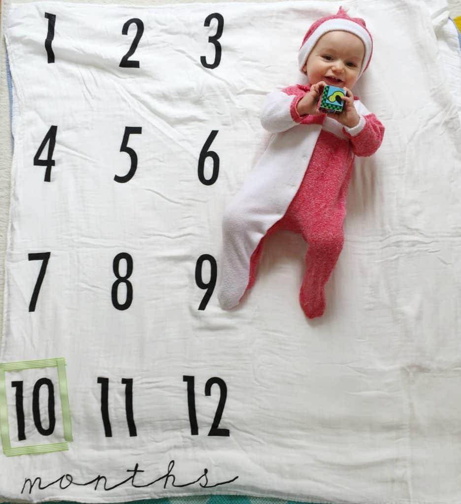 10-month-milestone-blanket-pic