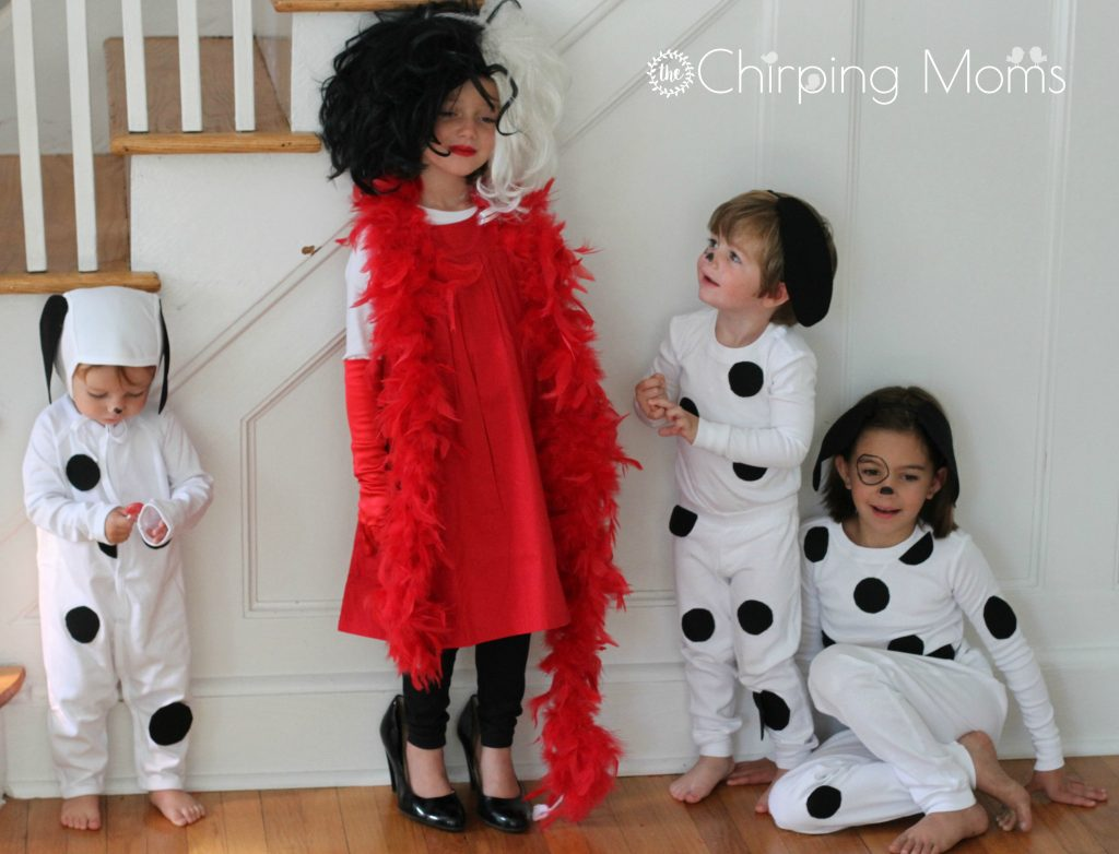 Hereu0027s how to make EASY puppy dog costumes for a baby or kids  sc 1 st  The Chirping Moms & Easy DIY 101 Dalmatians Costumes for Kids u0026 Cruella for Mom