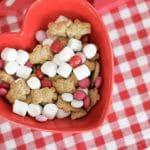 Valentine's Day: Super Simple Snack Mix