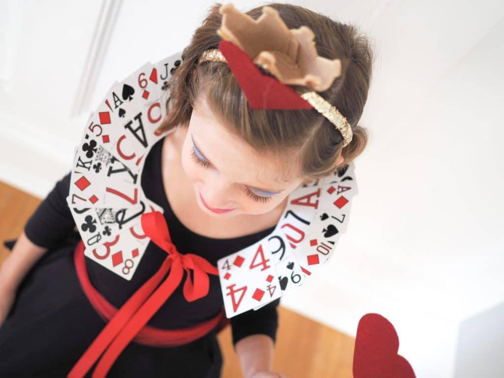Easy Diy Alice In Wonderland Queen Of Hearts Costumes