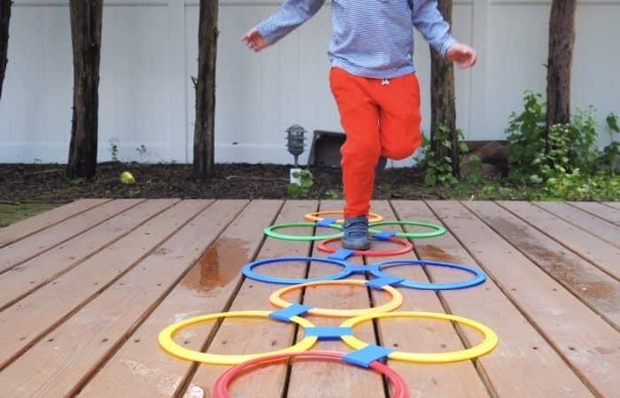 25 Easy Outdoor Games