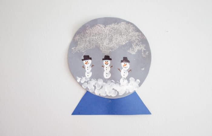 Snowman Craft: Fingerprint Paper Snow Globe